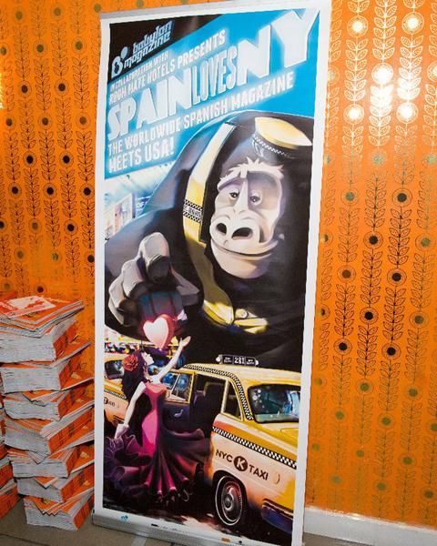 Cartel de presentación de Babylon Magazine en el hotel Room Mate de Nueva York (2010)